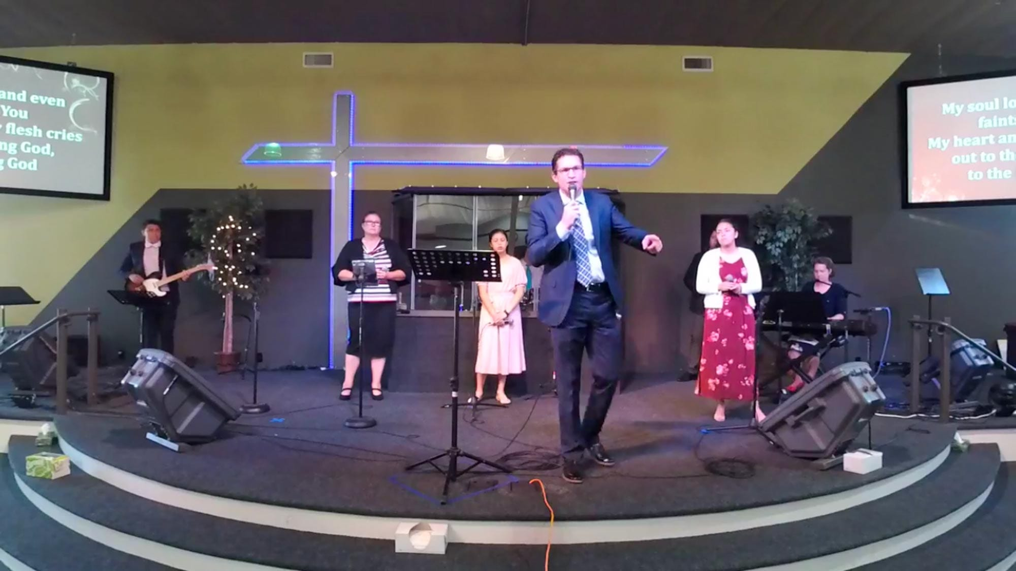 Joshua Vandevender preaching